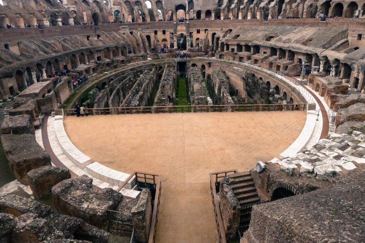 ColosseumL Interior